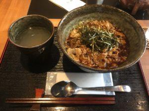 蕎麦処 陸人(りくと):カレーそば(かけ汁)